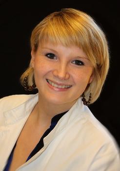 Stefanie Assenmacher, Apothekerin